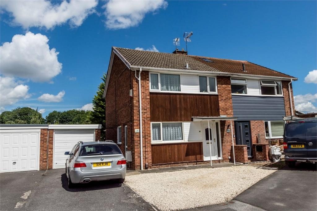3 Bedrooms Semi Detached House for sale in The Paddock, YORK