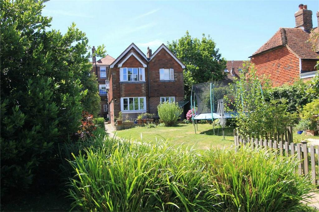 6 Bedrooms Maisonette Flat for sale in High Street, BATTLE, East Sussex