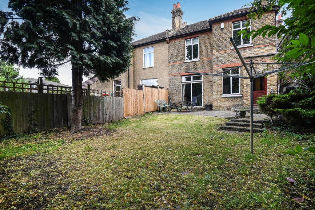 4 Bedrooms Semi Detached House for sale in College Road Bromley BR1