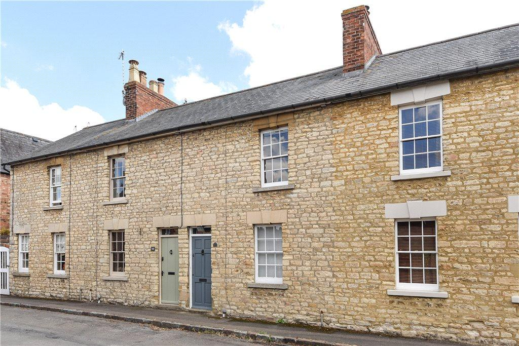 2 Bedrooms Terraced House for sale in Park Road, Sherington, Newport Pagnell, Buckinghamshire