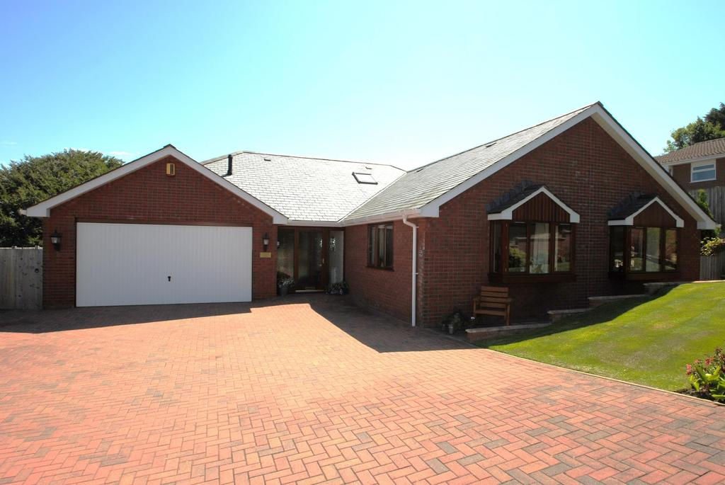 3 Bedrooms Bungalow for sale in Hampton Park, Bideford