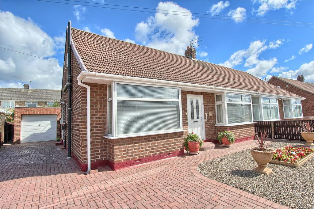 3 Bedrooms Semi Detached Bungalow for sale in Buxton Gardens, Wolviston Court
