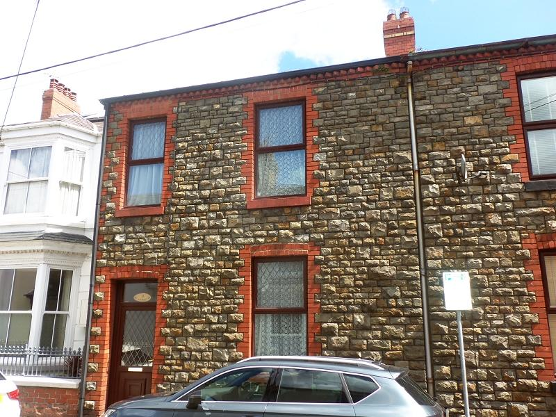 4 Bedrooms Terraced House for sale in The Avenue , Carmarthen, Carmarthenshire.