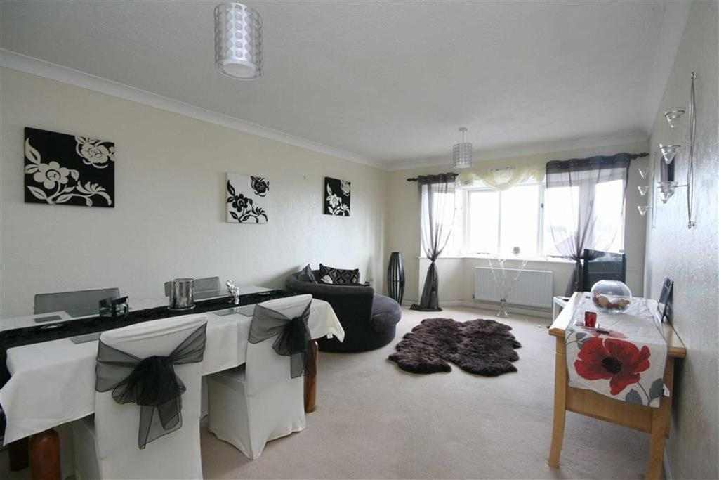 1 Bedroom Flat for sale in Kirby Drive, Telscombe Cliffs, PEACEHAVEN