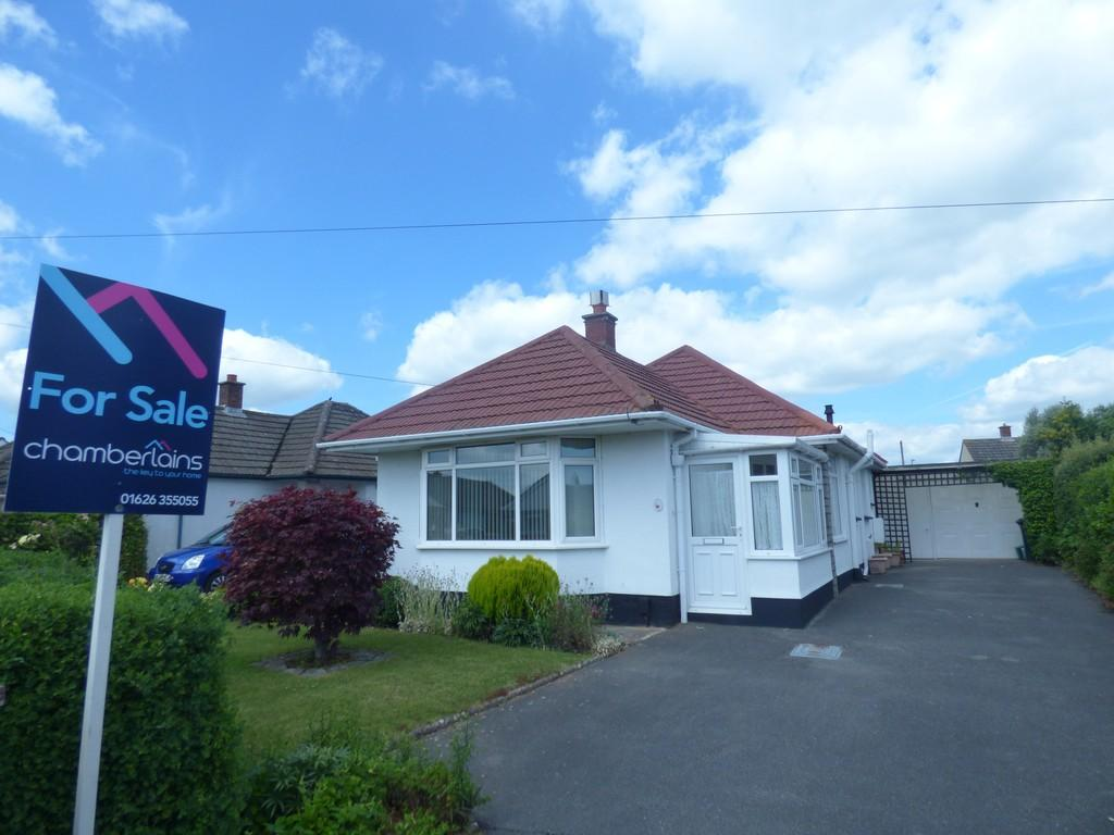 3 Bedrooms Detached Bungalow for sale in Abbrook Avenue, Kingsteignton, TQ12 3PA