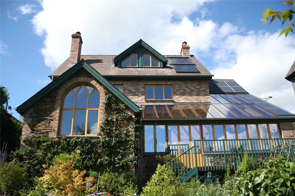 4 Bedrooms Detached House for sale in Derwlwyn Lane, Llanfyllin, Powys