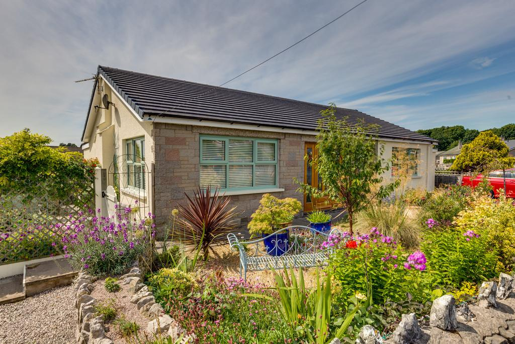 2 Bedrooms Detached Bungalow for sale in 9 Laneside Road, Grange-Over-Sands, Cumbria, LA11 7BU