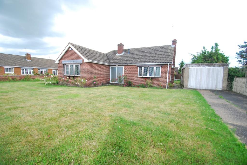 3 Bedrooms Detached Bungalow for sale in The Paddock, Darfield S73