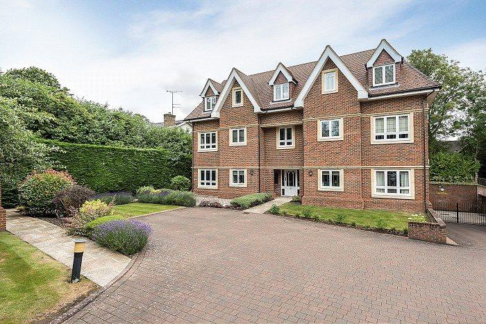 3 Bedrooms Penthouse Flat for sale in Draycott House, 64 Penn Road, Beaconsfield, HP9