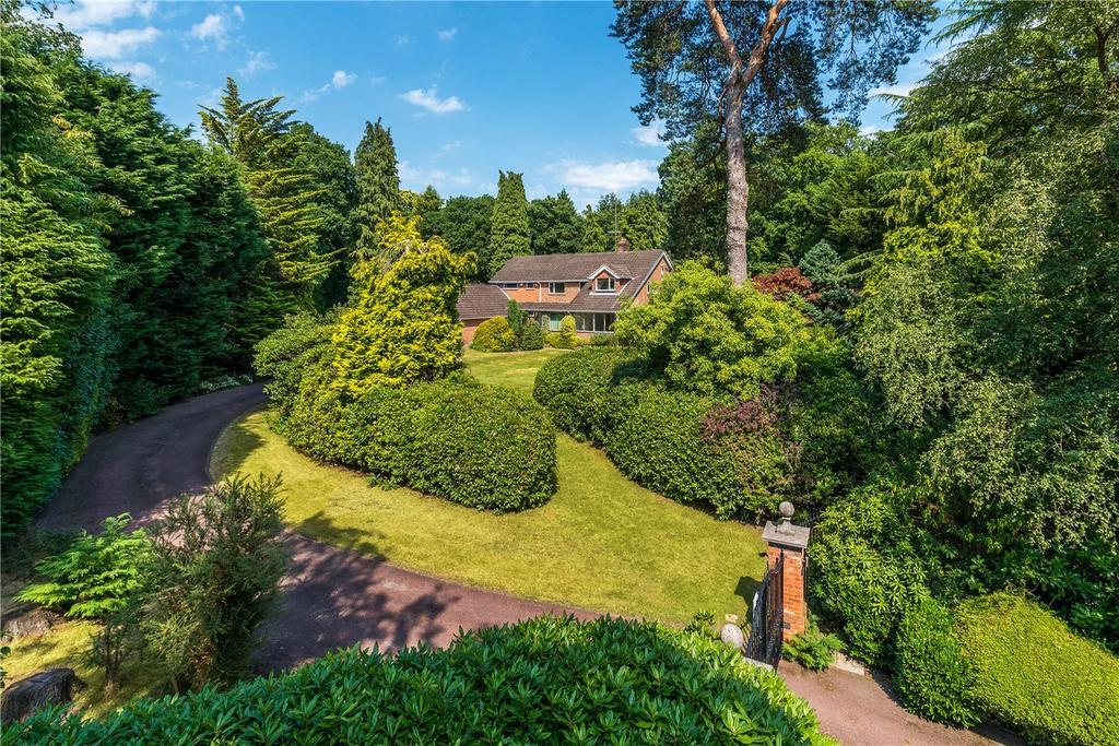 4 Bedrooms Detached House for sale in Compton Way, Farnham, Surrey, GU10