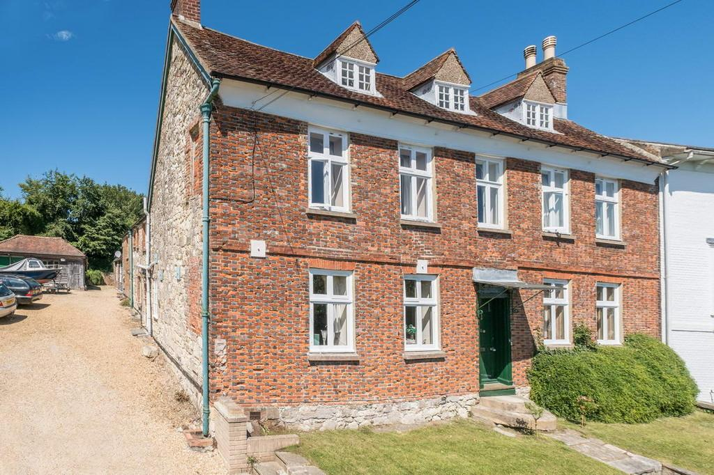 7 Bedrooms Semi Detached House for sale in Brading, Isle of Wight