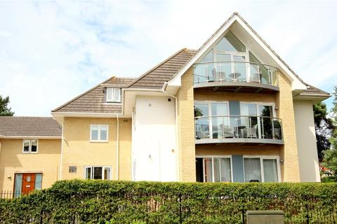 3 bedroom flat for sale - 2 Kings Avenue, Lower Parkstone, Poole, BH14