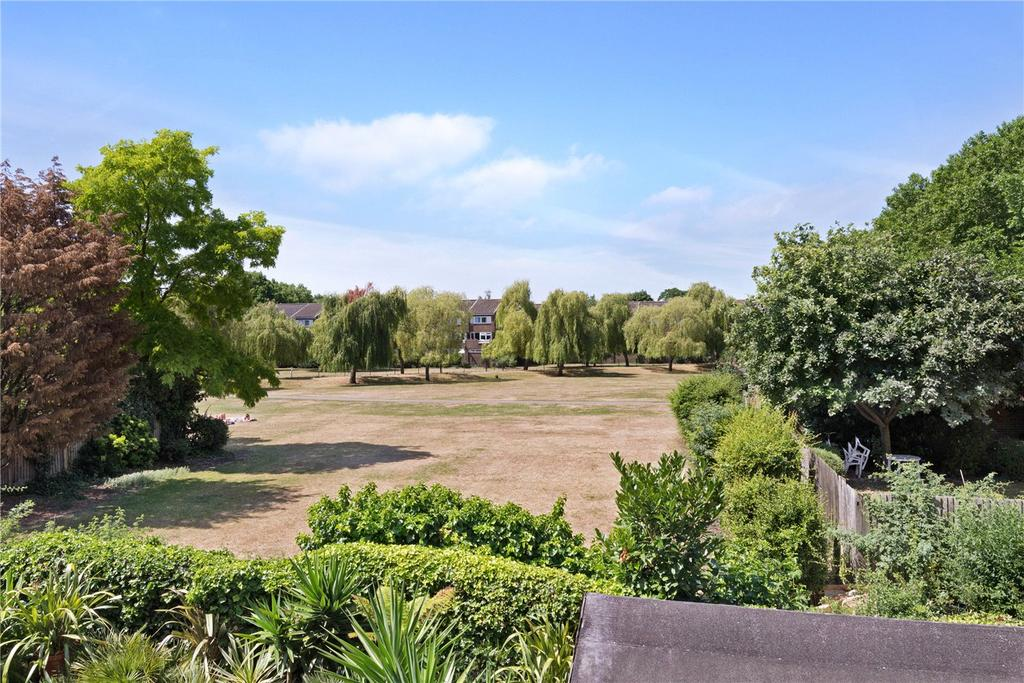 3 Bedrooms House for sale in Abbey Gardens, Barons Court, London, W6