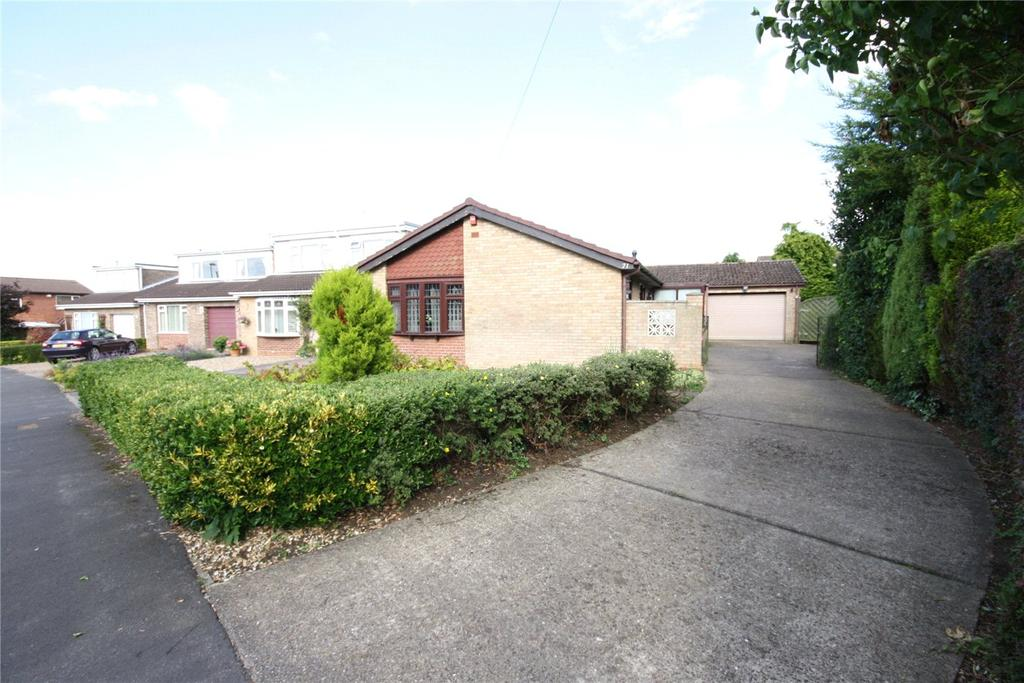 3 Bedrooms Detached Bungalow for sale in Canterbury Drive, Heighington, Lincoln, Lincolnshire, LN4