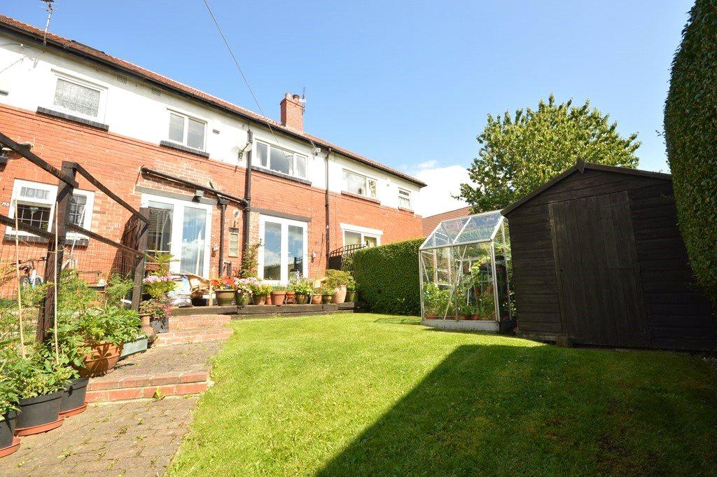 3 Bedrooms Terraced House for sale in Hall Lane, Horsforth, Leeds, West Yorkshire