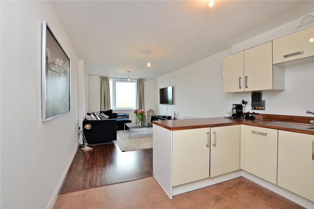2 Bedrooms Flat for sale in Saxon House, 170 London Road, Wallington, SM6