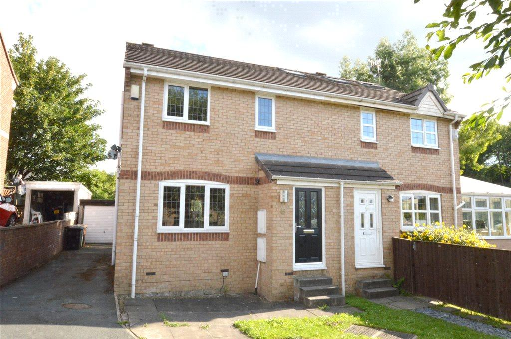 3 Bedrooms Semi Detached House for sale in Fern Lea View, Stanningley, Pudsey, West Yorkshire