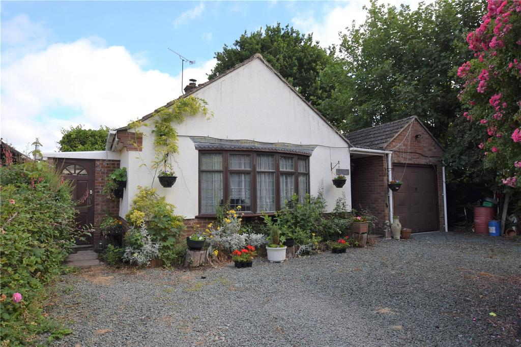 3 Bedrooms Detached Bungalow for sale in The Avenue, Mortimer, Berkshire, RG7