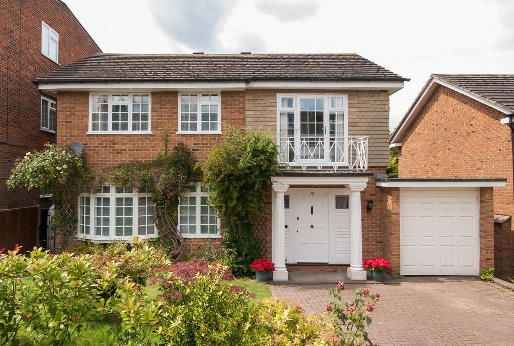 4 Bedrooms Detached House for sale in Clarendon Way, Tunbridge Wells