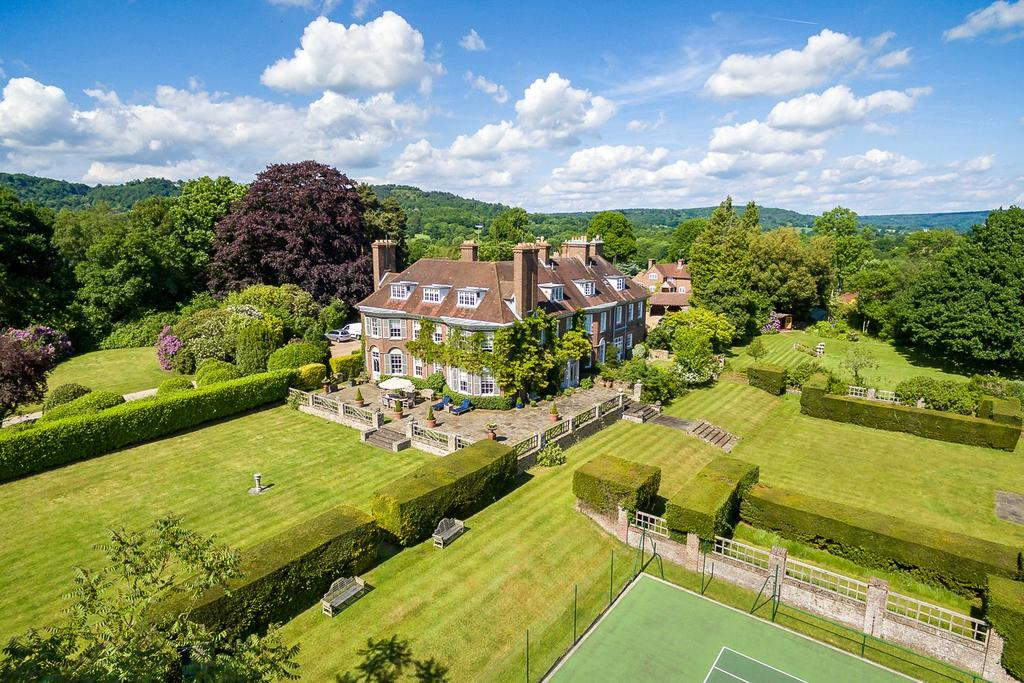 6 Bedrooms Country House Character Property for sale in Wykehurst Lane, Ewhurst, Cranleigh, Surrey
