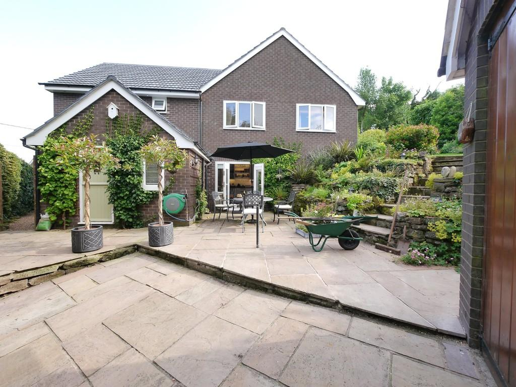 4 Bedrooms Detached House for sale in Risedon, Eaton, CW6 9AG