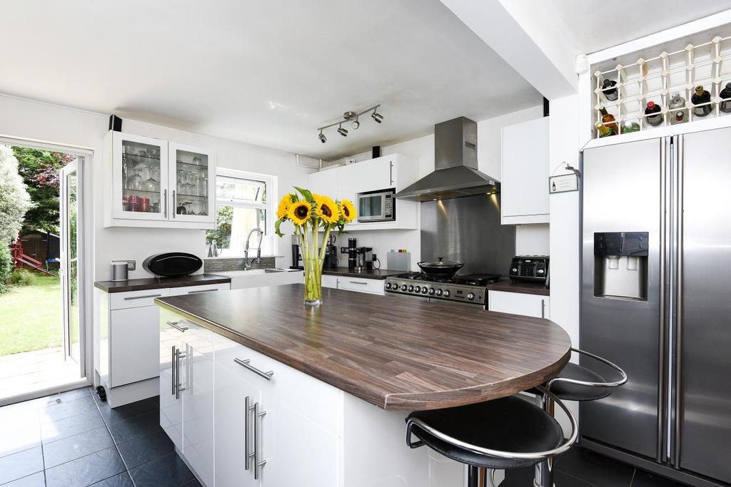 4 Bedrooms Town House for sale in Brackley Road, Beckenham