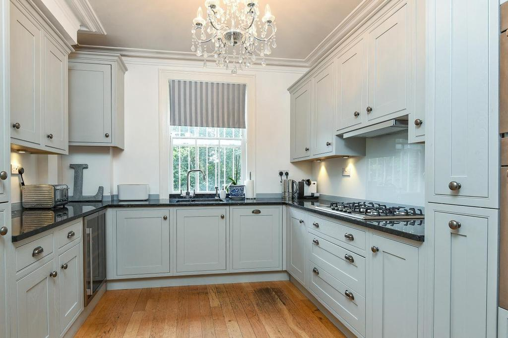 5 Bedrooms Terraced House for sale in Camberwell New Road, Camberwell, SE5