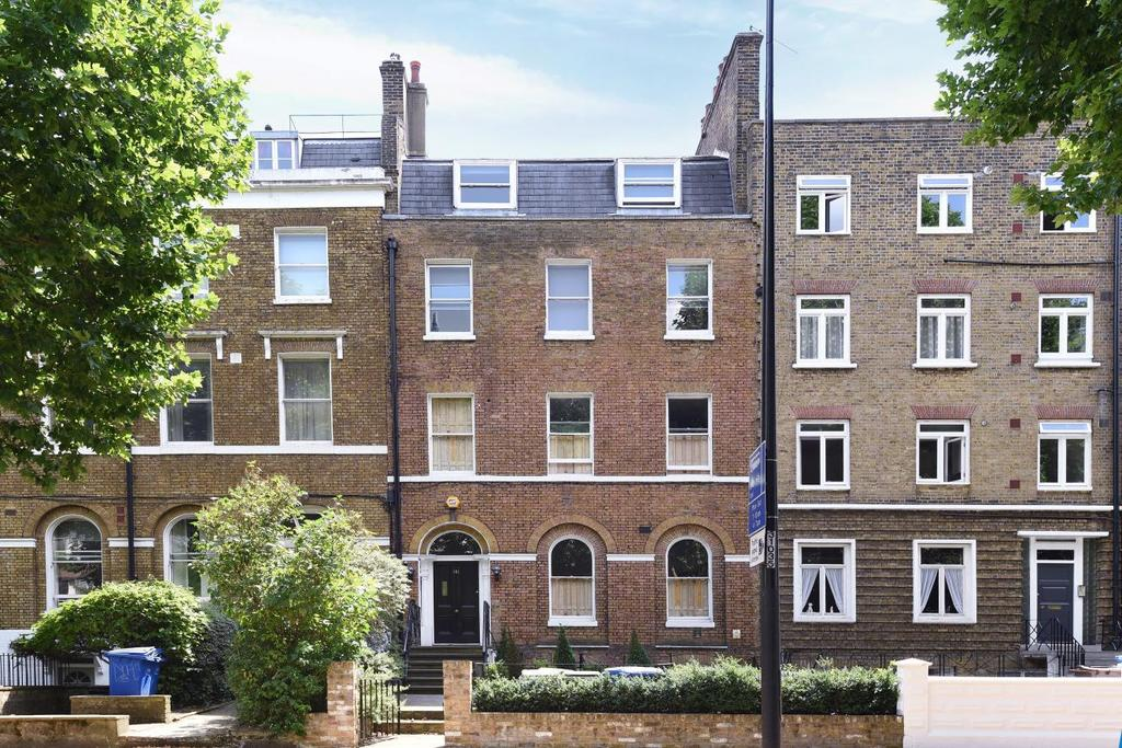 2 Bedrooms Flat for sale in Kennington Park Road, Kennington