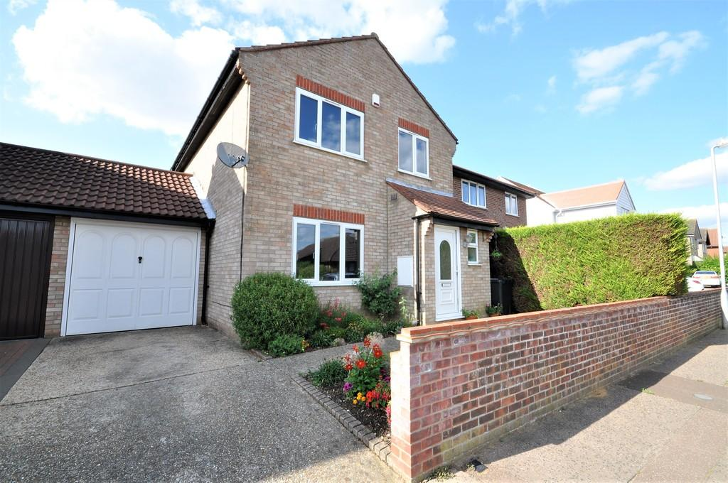 3 Bedrooms Link Detached House for sale in Wheatfield Road, Stanway, West Colchester