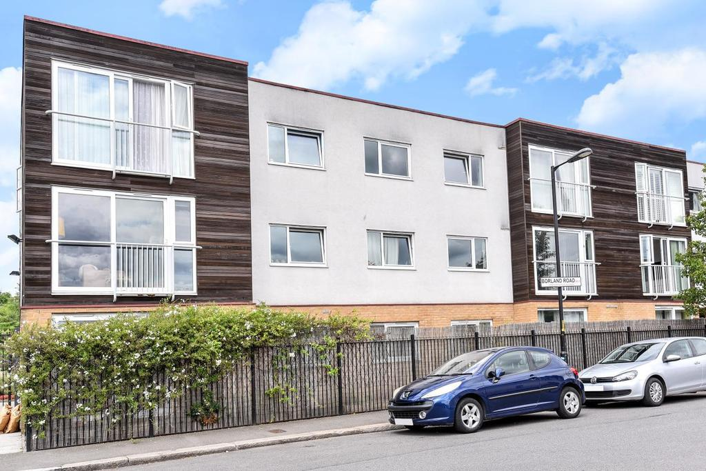 2 Bedrooms Flat for sale in Borland Road, Nunhead
