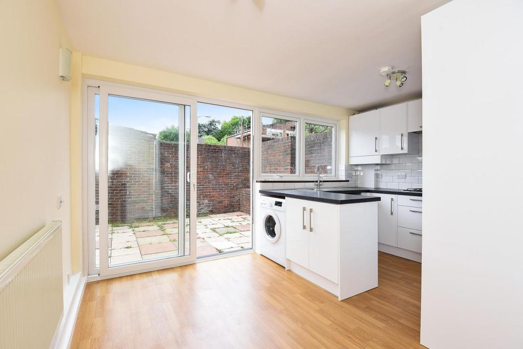 3 Bedrooms Semi Detached House for sale in Boddicott Close, Southfields, SW19