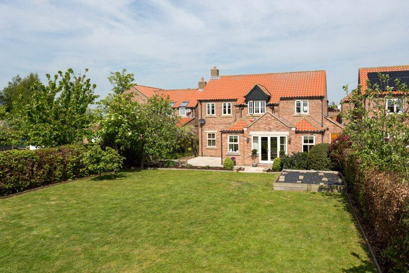 5 Bedrooms Detached House for sale in The Fold, Hessay, York, YO26
