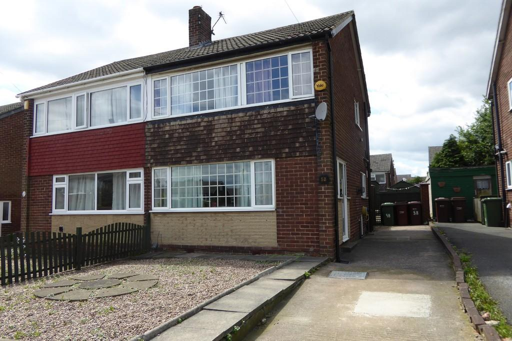 3 Bedrooms Semi Detached House for sale in Victoria Way, Outwood