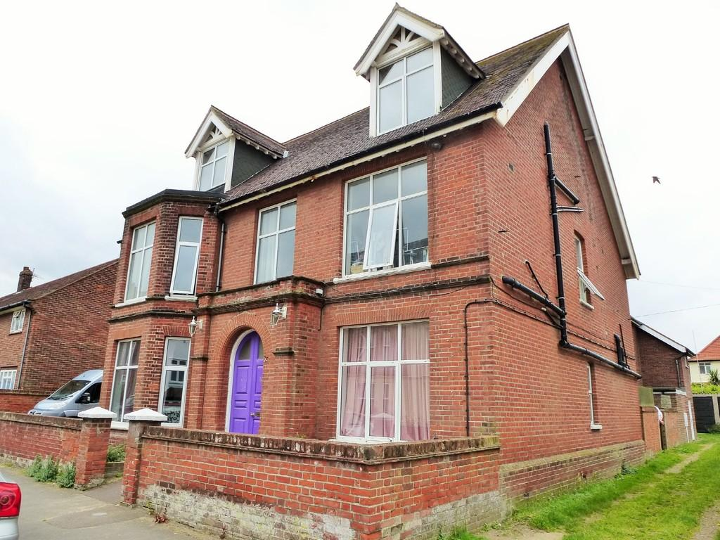 9 Bedrooms Semi Detached House for sale in Cromer
