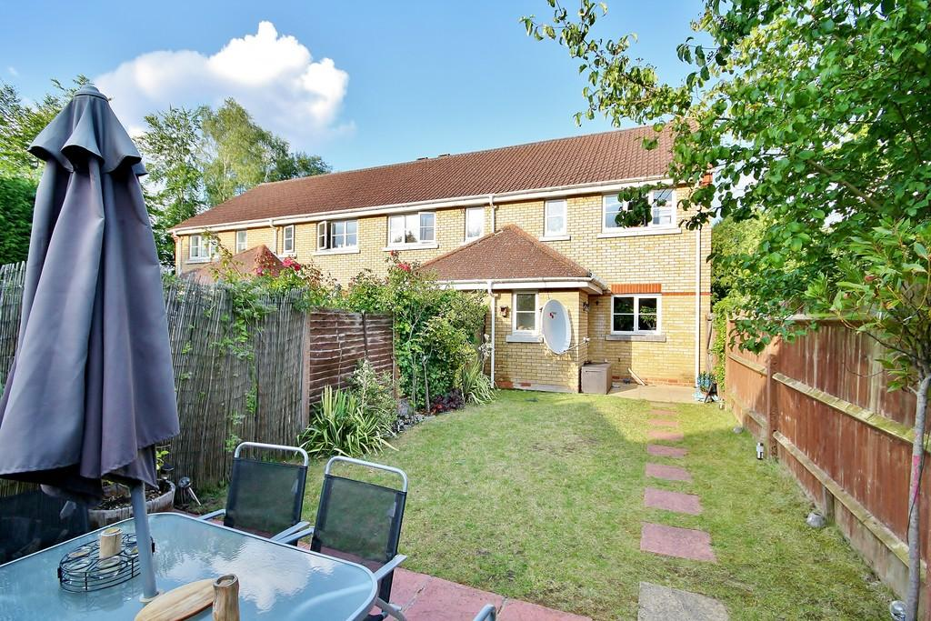 2 Bedrooms End Of Terrace House for sale in Knaphill, Woking