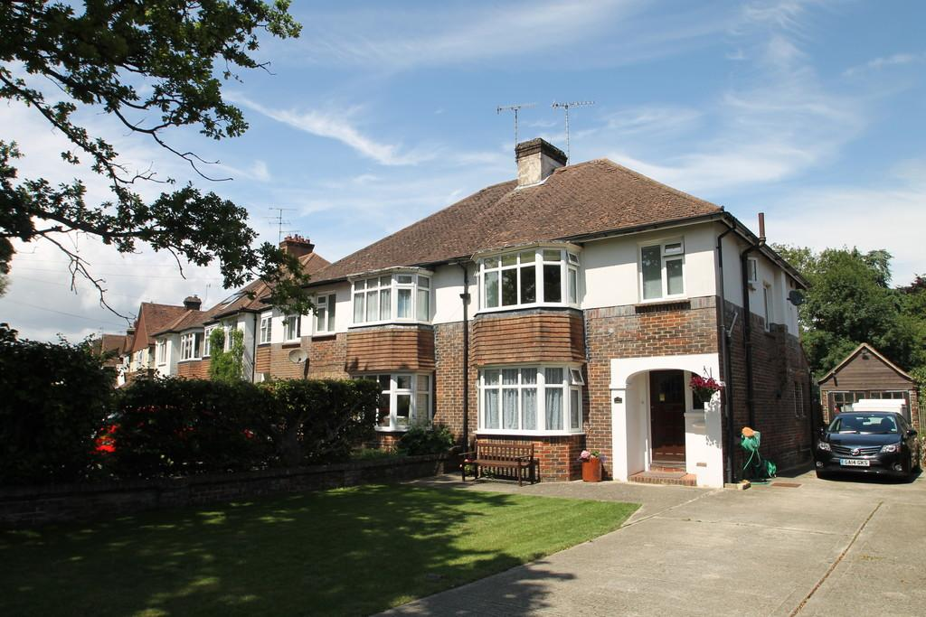 3 Bedrooms Semi Detached House for sale in Offington Avenue, Worthing, BN14 9PH