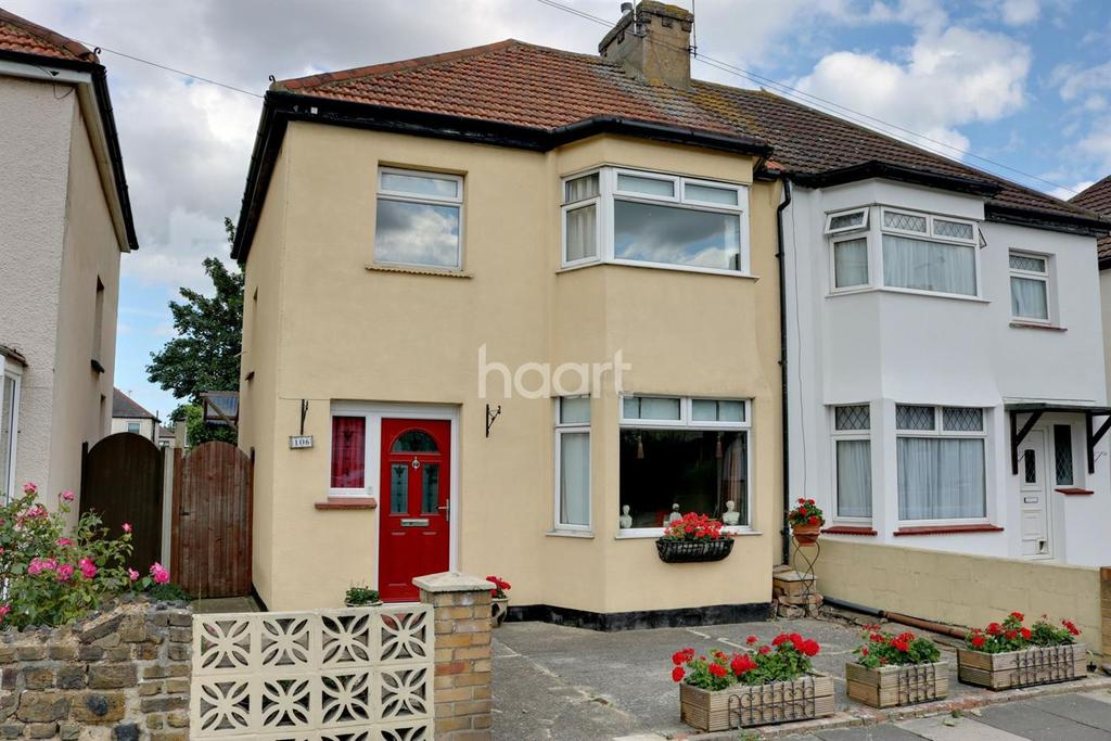 3 Bedrooms Semi Detached House for sale in Westbury Road, Southend On Sea