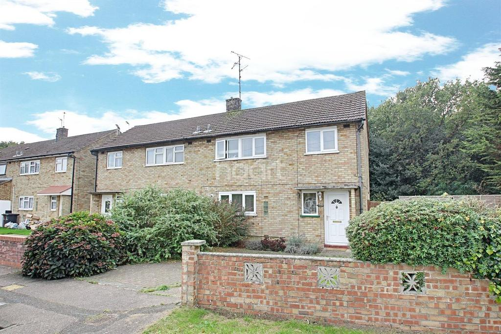 3 Bedrooms Semi Detached House for sale in Monkwick Avenue