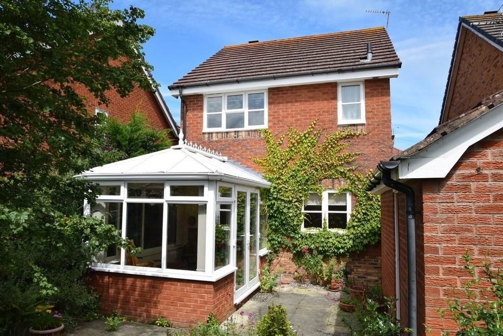 3 Bedrooms Detached House for sale in Riviere Avenue, Craig y Don