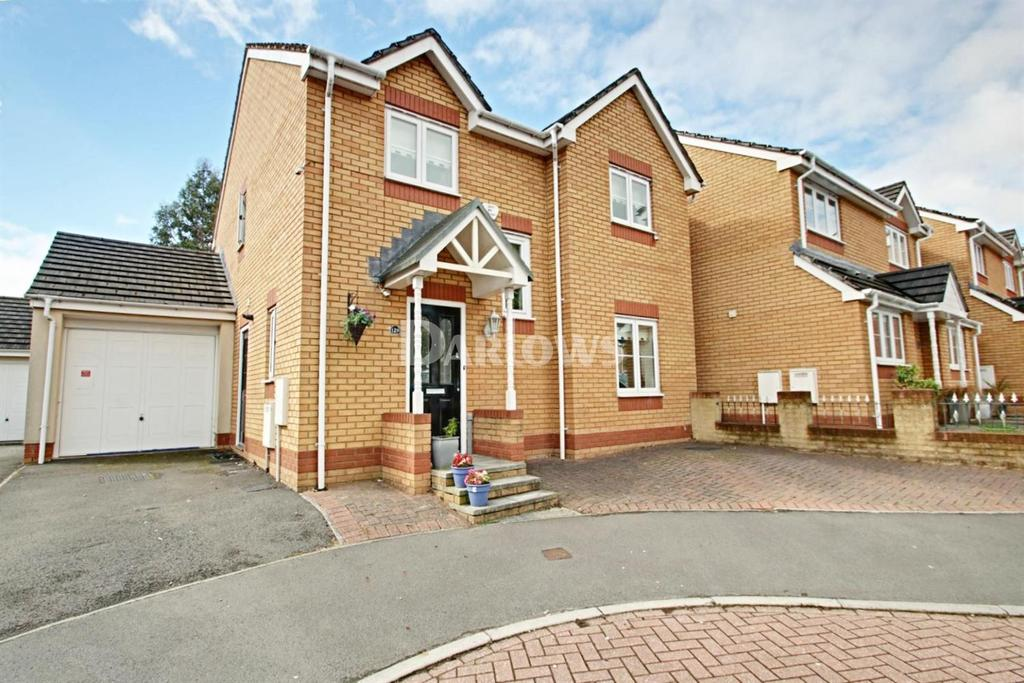 4 Bedrooms Detached House for sale in Churchwood, Griffithstown