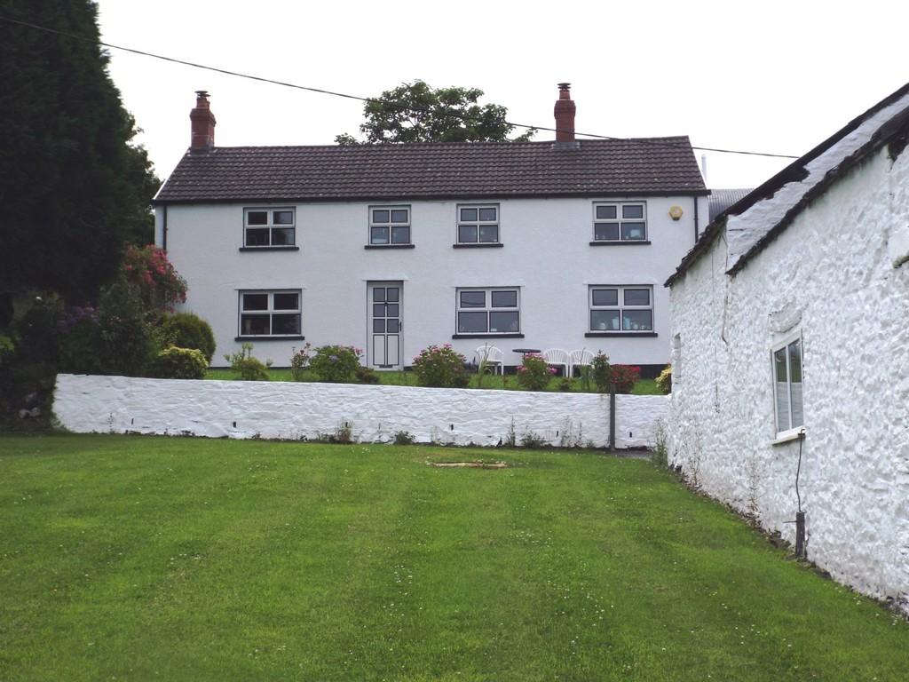 3 Bedrooms Cottage House for sale in Heol Bryngwili, Cross Hands