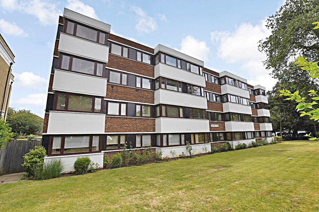 2 Bedrooms Apartment Flat for sale in Woodford Road, South Woodford