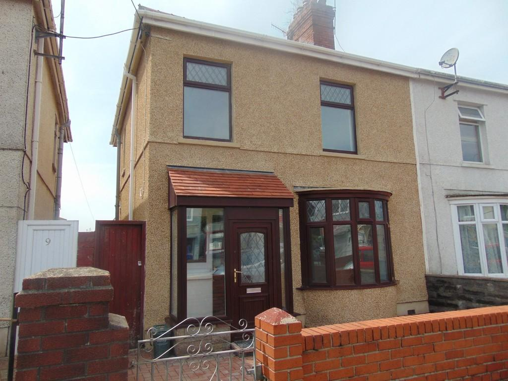 3 Bedrooms Semi Detached House for sale in Nantydd Terrace, Llanelli
