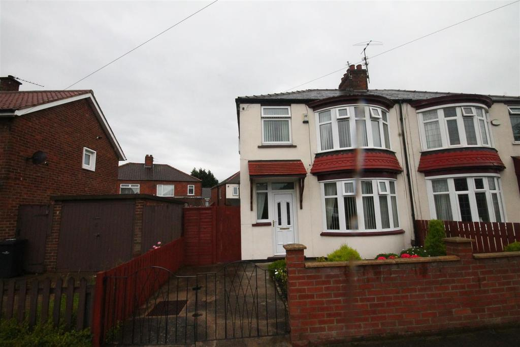 3 Bedrooms Semi Detached House for sale in Cumberland Road, Middlesbrough