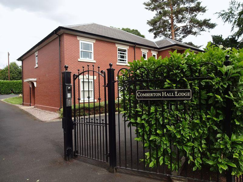 2 Bedrooms Ground Flat for sale in Comberton Hall Lodge, Barnetts Close, Kidderminster DY10 3DD