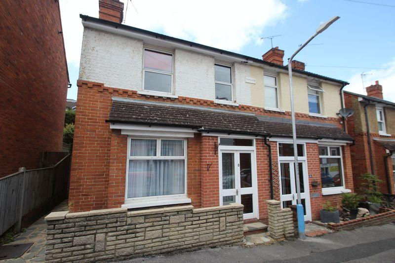 3 Bedrooms Terraced House for sale in Woodlands road, Tonbridge