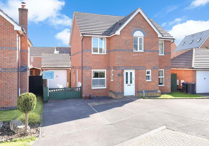 4 Bedrooms Detached House for sale in Hargreaves Road, Trowbridge