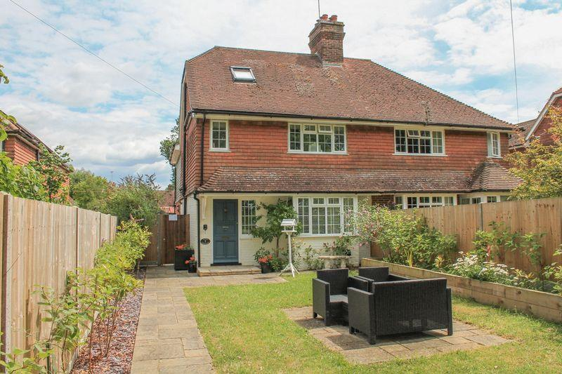 3 Bedrooms Semi Detached House for sale in Haven Road, Bucks Green, Rudgwick