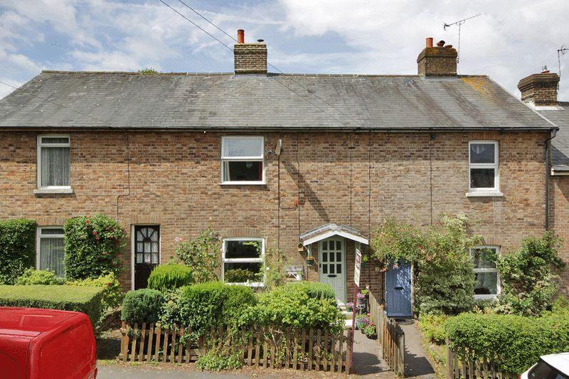 4 Bedrooms Terraced House for sale in London Road, Crowborough, East Sussex