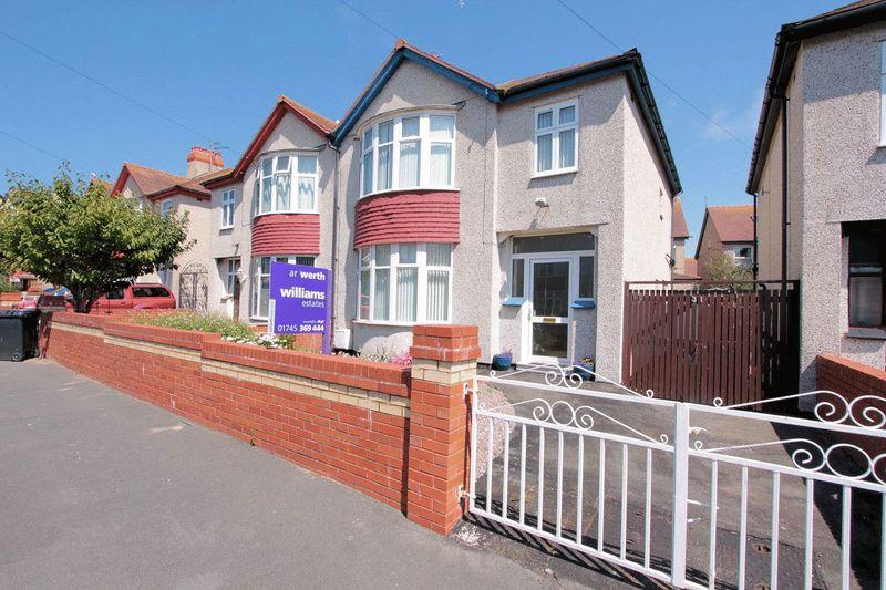 3 Bedrooms Semi Detached House for sale in Lake Avenue, Rhyl